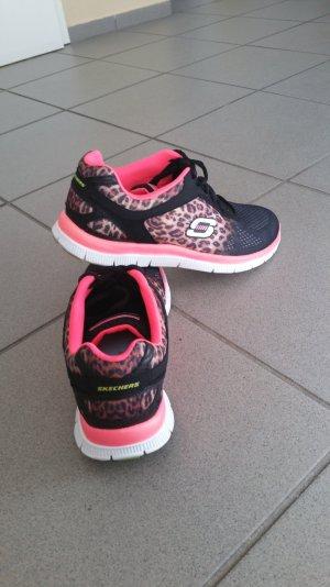 Skechers mit Leopardenprint