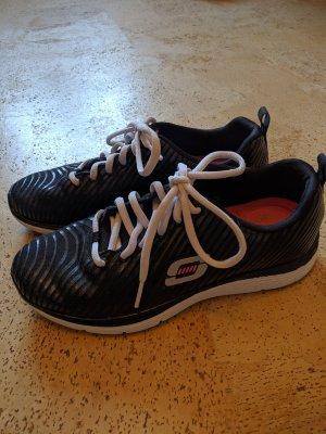 Skechers Slip-on Sneakers black