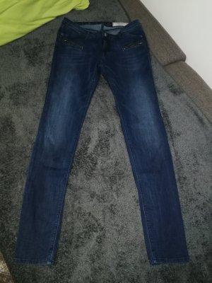 Skin Fit Jeans der Marke EDC in der Größe W28/L32