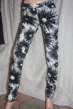 Skinny Adidas Originals Mitarbeiterverkauf 28 / 34 große Blumen