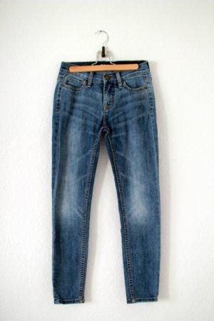 Skinny Blue Jeans Cropped W24 L26