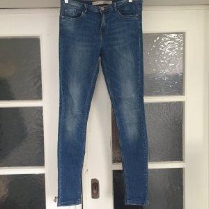 Skinny Blue Jeans von Zara Premium Wash