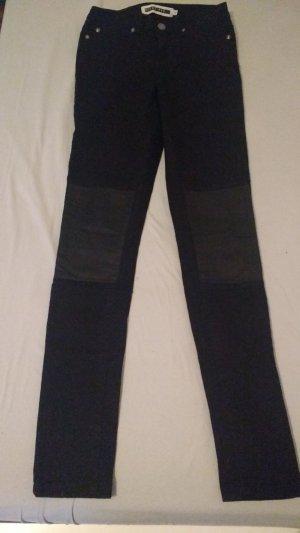 Skinny-Hose mit Kunstlederdetails
