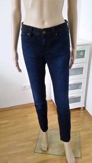 Skinny Jeans, 2 farbig vorne blau hinten schwarz, Mango, Größe 40