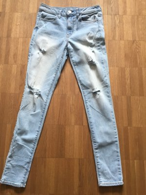 Skinny Jeans 27/32 destroyed helle Waschung . Amerikan Eagle Outfitters