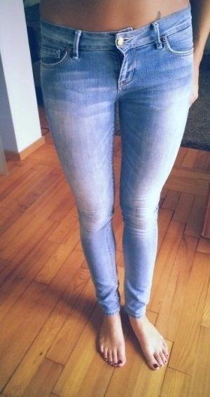 Skinny Jeans der Marke Only