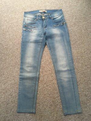 Skinny Jeans hellblau Gr. S/36