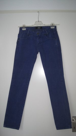 Skinny Jeans in dunklem Indigo