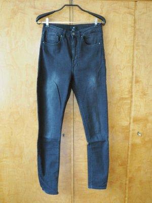 Skinny-Jeans in schwarz