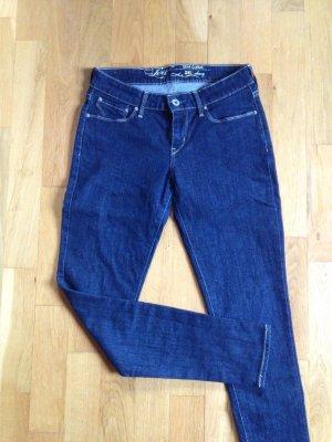 Skinny Jeans Levis Demi curve 26 / 30, Gr. 34 dunkelblau, Top