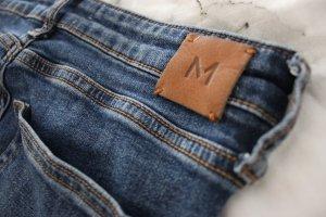 Skinny Jeans / Low Waist Jeans / Röhrenjeans