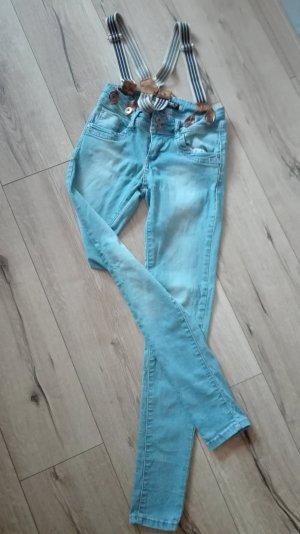 Skinny jeans mit Hosenträger