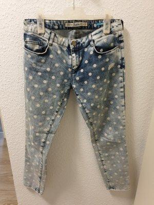 Skinny Jeans mit Punkten von ZARA