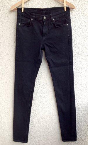 Skinny Jeans / Röhrenjeans