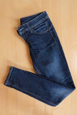 Skinny Jeans von Benetton in gutem Zustand