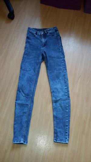 Skinny Jeans von H&M in Größe 32