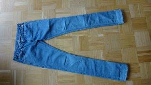 Skinny Jeans von Replay hellblau mit extralangem Bein