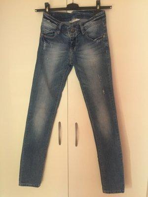 Skinny Jeans von Stradivarius