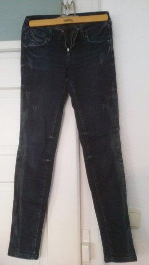 Skinny Jeans Zara mit aufgerauten Stellen