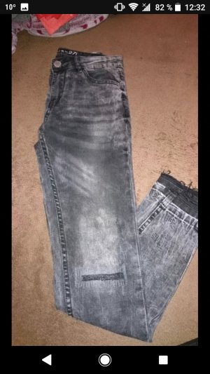 Skinny Röhren Jeans stone washed used look