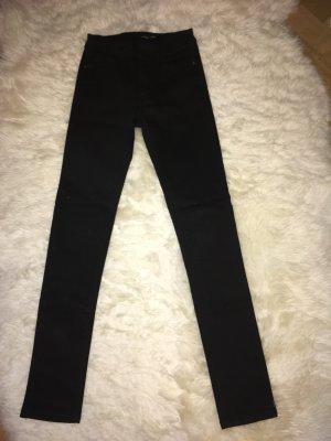 Skinny schwarze Jeans klassisch 24