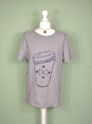 Skizze / Shirt mit Becher To Go