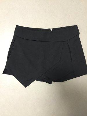 Skort schwarz Gr 38 M Shorts Rock