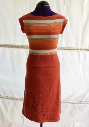 Skunkfunk Kleid mit roten Ringeln