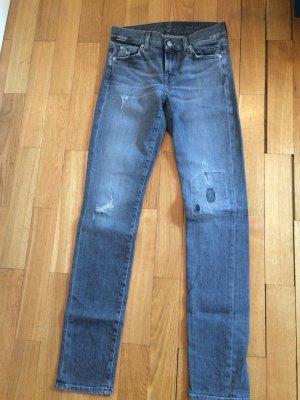 Slim Fit Jeans in Größe 25 in grau