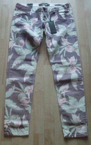 Slim Fit Jeans von Guess - Gr.  W33 L31 - NEU