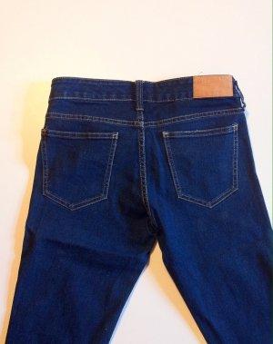 Slim Jeans in blau, mit geraden Beinen