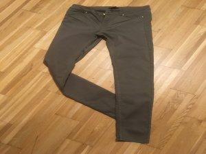 Slim-Jeans in Khaki von H&M