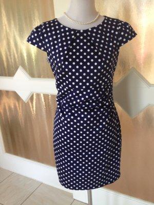 Slimfit Kleid von Heine