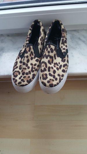 Slip on Sneaker mit Leopardenmuster