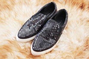Slip ons Schuhe Sneaker Lack schlangen Optik Krokodil schwarz glanz