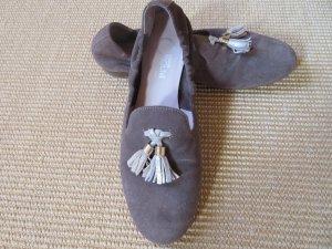Slipper, Ballerinas aus Wildleder mit Troddeln