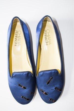 Slipper in Königsblau mit Ameisen von Chiara Ferragni