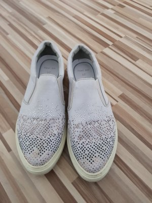 Slipper mit Glitzerapplikationen