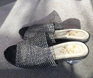 Slipper, schwarz/silbernes Netz