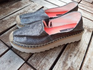 Slipper v. Replay neu