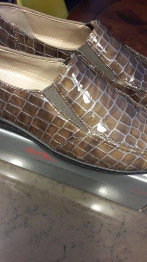 ara Pantofola bronzo