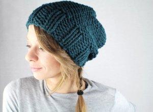 Chapeau en tricot vert foncé-bleu foncé fibre synthétique