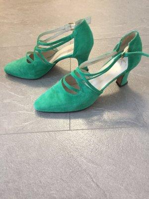 Smaragdgrüne Lederschuhe