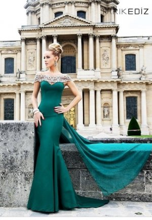 Smaragdgrünes Designer Kleid von Tarik Ediz