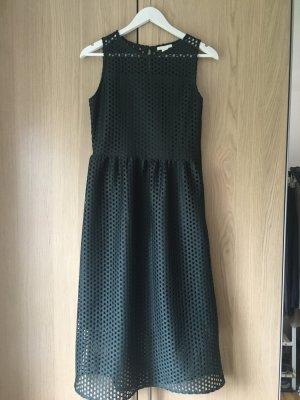 Smaragdgrünes Kleid in Midi Länge
