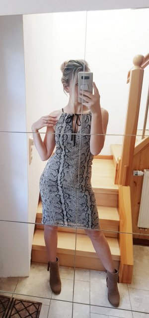Snake Print Kleid Trend Blogger Musthave