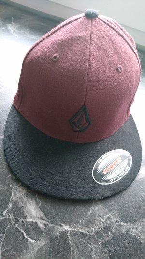 Gorra negro-burdeos