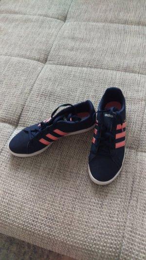 Adidas NEO Basket à lacet magenta-bleu