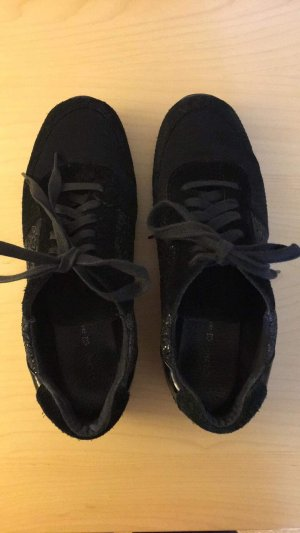 Cox Lace-Up Sneaker black