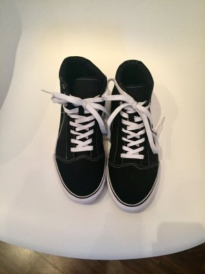 Sneaker Black and white